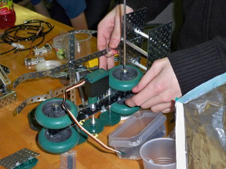 Build Service - Robot Medium