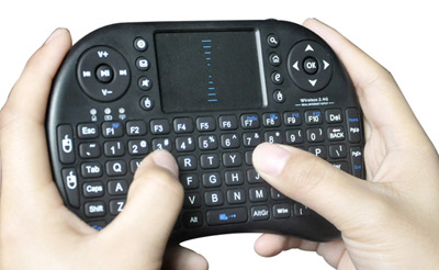 Mini Tastiera Wireless con Touch Pad
